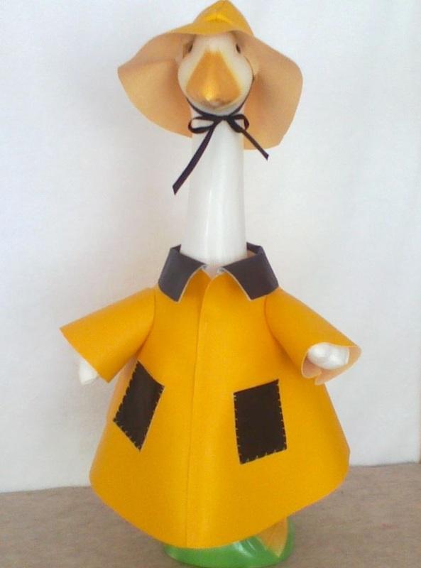 Lawn Goose In Rain Gear Thedingleberry Wordpress Com